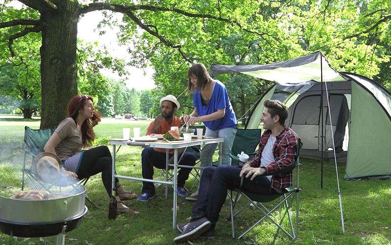de camping con amigos
